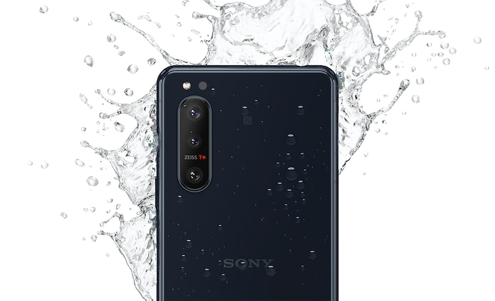 Water splashing on Xperia 5 II